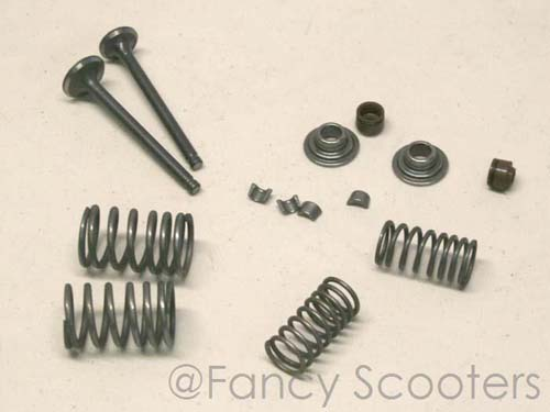 Honda 50cc Intake and Exhaust Valves Set