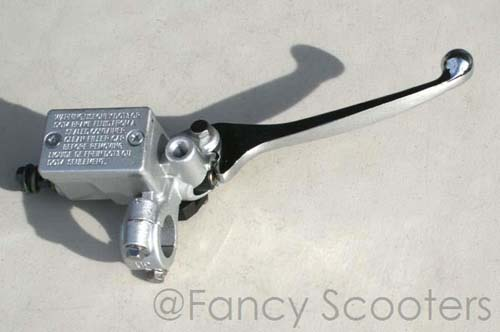 Front Hydraulic Brake Master Cylinder with 10mm Mirror Mount for Yamaha, Johnway scooters